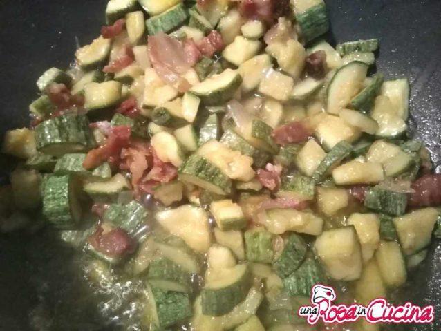 Sugo zucchine e pancetta