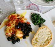 Merluzzo in padella con pomodorini e olive