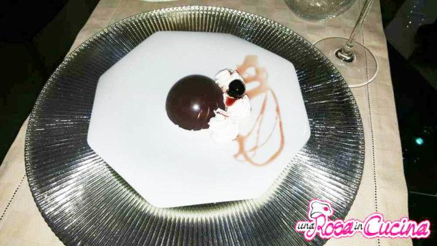 Mezze sfere di cioccolato ripiene