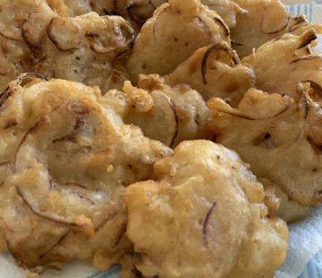 Frittelle di cipolle con pastella alla birra