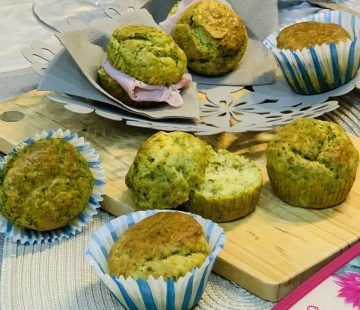 Muffin salati agli spinaci