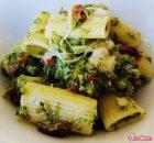 Tortiglioni con pomodori secchi, scamorza e broccoli