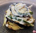 Spaghetti con crema di burrata, zucchine e melanzane